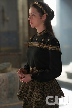 Pictured: Adelaide Kane as Mary Queen of Scotland and France Photo Credit: Sven Frenzel/The CW