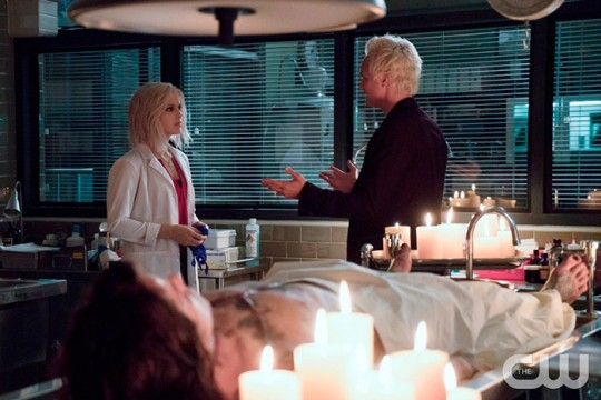 Pictured (L-R): Rose McIver as Liv and David Anders as Blaine Photo Credit: Katie Yu/The CW