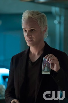 Pictured: David Anders as Blaine Photo Credit: Katie Yu/The CW