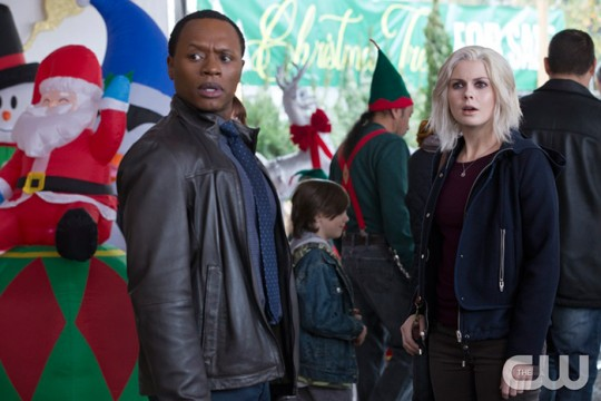 Pictured (L-R): Malcolm Goodwin as Clive and Rose McIver as Liv Photo Credit: Jack Rowand/The CW
