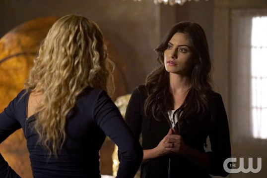 Pictured (L-R): Claire Holt as Rebekah and Phoebe Tonkin as Hayley Photo Credit: Annette Brown/The CW