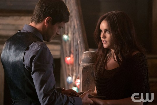 Pictured (L-R): Oliver Ackland as Tristan and Rebecca Breeds as Aurora -Photo Credit: Annette Brown/The CW