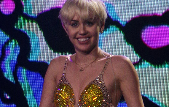 Miley Cyrus Encourages Fans to Smoke Weed Instead of Cigarettes