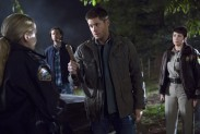 Pictured: (L-R) Briana Buckmaster as Sheriff Donna Hanscum, Jared Padalecki as Sam, Jensen Ackles as Dean and Kim Rhodes as Sheriff Jody Mills Photo Credit: Katie Yu/ The CW
