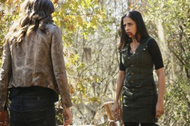 Pictured: (L-R) Phoebe Tonkin as Hayley and Nishi Munshi as Gia Photo Credit: Quantrell Colbert/ The CW