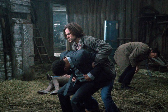 Pictured: (L-R) Treva Etienne as Tamiel and Jared Padalecki as Sam Photo Credit: Liane Hentscher/ The CW