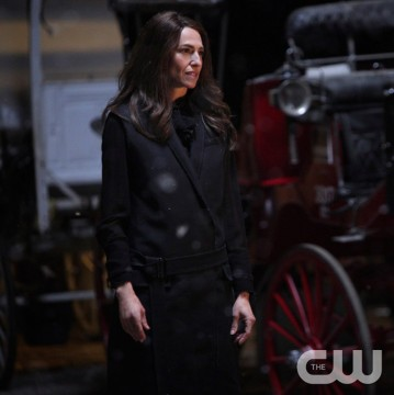 Pictured: Claudia Black as Dahlia Photo Credit: Annette Brown/ The CW