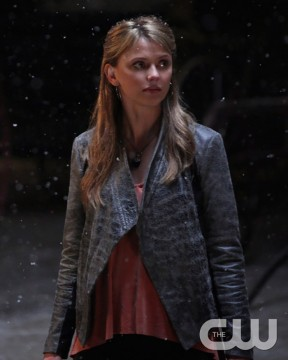 Pictured: Riley Voelkel as Freya Photo Credit: Annette Brown/ The CW