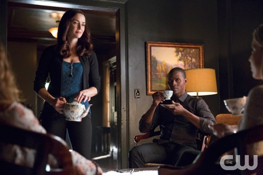 Pictured (L-R): Annie Wersching as Lily and Jaiden Kaine as Beau Photo: Bob Mahoney/The CW