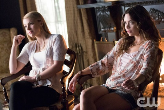 Pictured (L-R): Teressa Liane as Mary Louise and Scarlett Byrne as Nora Photo: Bob Mahoney/The CW