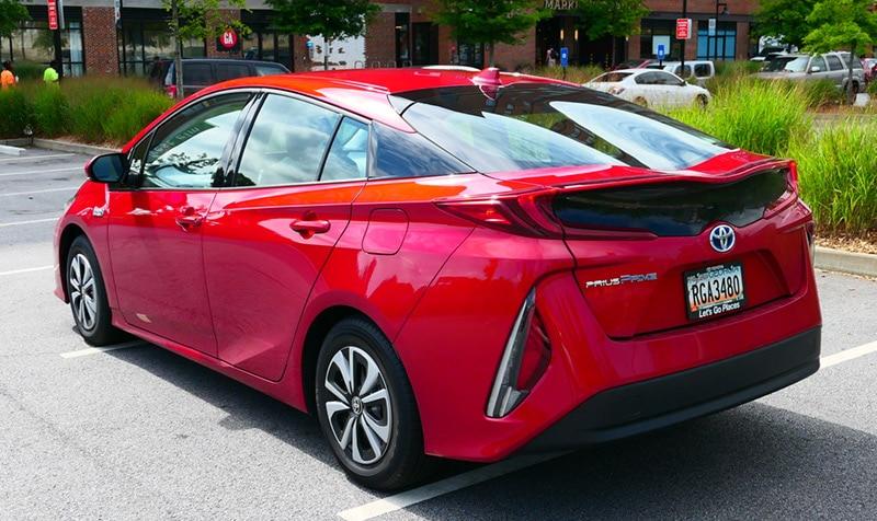 Geek Girl Review: 2017 Toyota Prius Prime Premium Lines