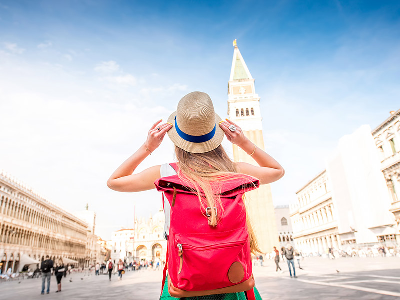 How to Make Money Traveling the World – The Ultimate Dream Job to Geek Out Over!
