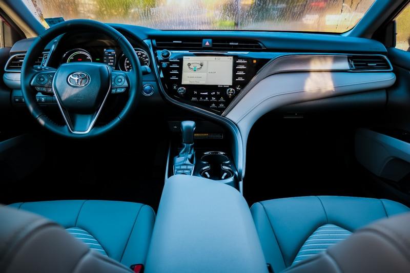 2020 Toyota Camry Hybrid SE - Interior