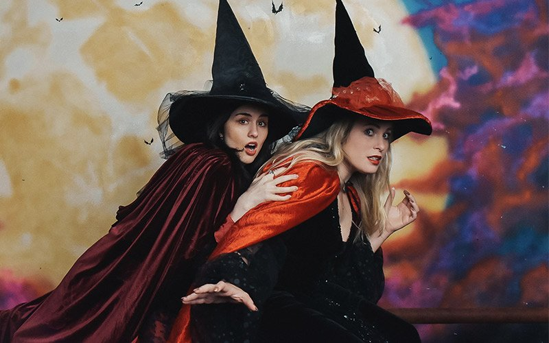 Witchcraft, Wands, and Wizardry: Jordan & Victoria Go to Salem, MA
